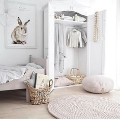 Excellent Bedrooms with Vintage touch Mommo Design A Vintage touch Wardrobe Baby Bedroom, Girls Bedroom, Bedroom Decor, Nursery Decor, Childs Bedroom, Room Baby, Nursery Design, Vintage Wardrobe, Little Girl Rooms