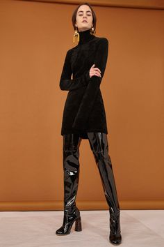 See the complete Ellery Pre-Fall 2017 collection.