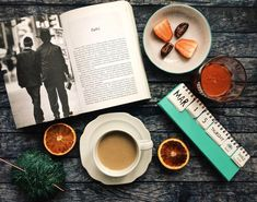 Books 💛 #flatlay #coffeetime