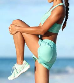 Find out which knee strengthening exercises will work for you, how to do them, and what precautions to take. Knee Arthritis Exercises, Knee Strengthening Exercises, Physical Therapy Exercises, Stretching Exercises, Muscle Stretches, Knee Stretches, Torn Ligament, How To Strengthen Knees, Exercise Images