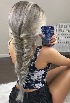 Most popular hairstyles for long blonde hair to sport in 2017 2018. Whether you want a new hair look or update your existing look, this is best style for you.