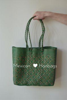 Woven Mexican handbags, mexican bags, market bags, beautiful bags, bolsas recicladas, bolsas mercado, bolsas de moda, pink bag, pink woven bag, mexican bags