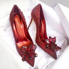Cinderella Crystal Shoes 2018 New Pointed High Heels Fine With Rhinestone Wedding Shoes Red Bridal Shoes Wedding Shoes Women Red Bridal Shoes, Rhinestone Wedding Shoes, Red Wedding Shoes, Crystal Rhinestone, Stilettos, Stiletto Heels, Pump Shoes, Shoe Boots, Giuseppe Zanotti Heels
