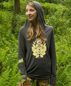 Radiate Yoga Hoody #SoulFlowerPintillSpring Re-Pin your fave outfits, accessories, and jewelry to enter to win a $100 gift card or one of two $25 gift cards! Contest ends 3/19.
