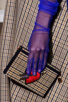 Schiaparelli Fall 2017 Couture Fashion Show : Schiaparelli Fall 2017 Couture Fashion Show Details The complete Schiaparelli Fall 2017 Couture fashion show now on Vogue Runway. Couture Details, Fashion Details, Unique Fashion, Fashion Design, Vogue Paris, Chanel Cruise, Christian Lacroix, Gloves Fashion, Fashion Accessories