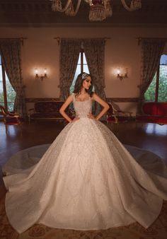 Beverly - Dovita Bridal Wedding Dress Bustle, Fancy Wedding Dresses, Wedding Dress Prices, Wedding Dress Necklines, Princess Wedding Dresses, Bridal Dresses, Wedding Gowns, Quince Dresses, Gala Dresses