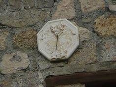 Cadran solaire à Blieux (Alpes de Haute-Provence) - France