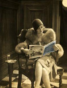 Constance Bennett makes reading look good!