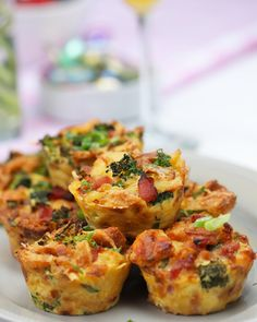 Breakfast Recipes - Spiral Ham Brunch Cups Breakfast dishes Brunch visit the site to continue reading the recipe. Breakfast Appetizers, What's For Breakfast, Breakfast Items, Breakfast Dishes, Breakfast Recipes, Buffalo Chicken, Spiral Ham, Brunch Recipes, Brunch Ideas