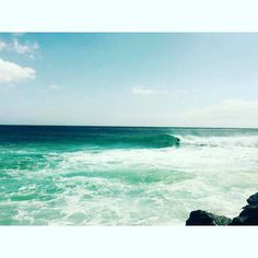 Yeww  #pointbreak #surfphoto #quickyprotime #wsl #snapperrocks #kirra #surf #surfing #photooftheday #barrel #greenroom #goldcoast #goldy #queensland #beach #australia #eastcoast #sick #surfseason #clean #vibes #positive by jes_ward