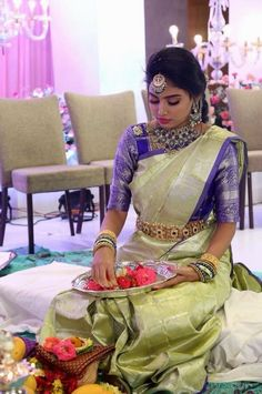 Ideas For Indian Bridal Saree Color Combinations South Indian Wedding Saree, Indian Bridal Sarees, Bridal Silk Saree, South Indian Bride, Saree Wedding, Silk Sarees, Kanjivaram Sarees, Bridal Lehenga, Wedding Saree Blouse Designs
