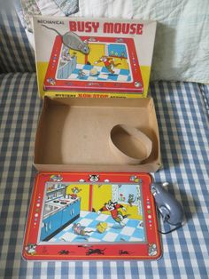 TPS JAPAN BUSY MOUSE Mechanical Non Stop Action Tin Toy with Box