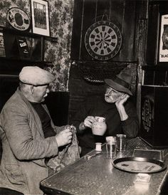 Knitting in the pub. Knitting wasn't just women's work. My Dad learned how to knit gloves when he was in the army in 1947.
