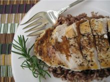 This pan seared chicken breast with rosemary-balsamic glaze recipe looks great for dinner! Balsamic Glaze Recipes, Balsamic Glazed Chicken, Recipe Center, Pan Seared Chicken, Good Healthy Recipes, Amazing Recipes, Clean Eating Recipes, Food And Drink, Favorite Recipes