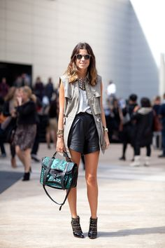 Love this outfit. The Man Repeller kills it, yet again. NEED that PS bag