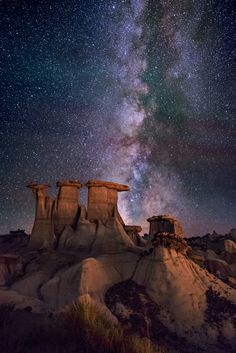 The Sentinals by Wayne Pinkston The Sentinels, also known as The Three Kings, or The Three Wise Men. hoodoos in the Valley of Dreams region of the New Mexico Badlands, USA. Beautiful Sky, Beautiful World, Roswell, Landscape Photography, Nature Photography, Night Photography, Landscape Photos, Fotografia Macro, Backgrounds