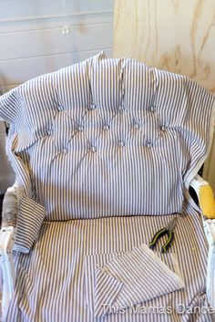 The best DIY projects & DIY ideas and tutorials: sewing, paper craft, DIY. DIY Furniture Plans & Tutorials : The Reupholstery Process: A Beginner's How to Guide via This Mamas Dance -Read