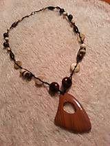 Náhrdelníky - náhrdelník - drevené korálky - 5203283_
