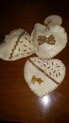 Cuori portaconfetti segnaposto per nozze d'oro