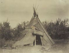 An Indian teepee at the Warm Springs Agency in Oregon Native American Teepee, Native American Art, American Indians, Indian Teepee, Old Images, Native Indian, Historical Society, First Nations, Wisconsin