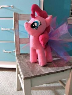 "Madie is in love with My Little Pony right now and I think I must try! ""OMG YOU GUYS it's a DIY My Little Pony plushie tutorial"""