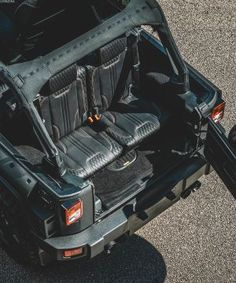 We've gathered our favorite ideas for Jeep Wrangler Stealthbox Audio Express Scottsdale AZ, Explore our list of popular small living room ideas and tips including Jeep Wrangler Stealthbox Audio Express Scottsdale AZ. Jeep Wrangler Unlimited Rubicon, 4 Door Jeep Wrangler, Jeep Wrangler Interior, Jeep Wranglers, Toyota Fj Cruiser, Toyota Hilux, Chelsea, Accessoires Jeep, Land Rover Defender