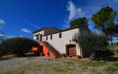 Country house with pool in Treia€350000