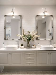 Traditional Bathroom Design parts can add a contact of favor and design to any home. Traditional Bathroom Design can mean many things to many individuals… Bathroom Renos, Ensuite Bathrooms, Bathroom Renovations, Bathroom Ideas, Bathroom Vanities, Dream Bathrooms, Bathroom Cabinets, Small Bathrooms, Bathroom Vanity Mirrors