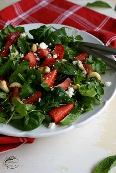 Intrusa na Cozinha - Salada de Espinafres e Agrião com Morangos // Watercress and Spinach Salad with Strawberries