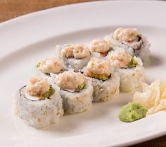 Understated yet never overrated. #floresroll #rolloftheweek #sushi_zushi #happyhour #delicious