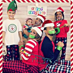 Funny Christmas Pictures, Funny Christmas Cards, Christmas Photo Cards, Xmas Cards, Christmas Photos, Christmas Themes, Christmas Lights, Family Pictures, Picture Ideas