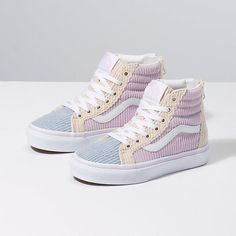 Shop bestselling Girl's Shoes at Vans including Girl's Classics, Slip Ons, Authentics, Low Top, High Top Shoes & More. Shop Kids Shoes at Vans today! Vans Toddler, Vans Kids, Adidas Shoes For Kids, Adidas Kids, Next Shoes, Girls Shoes, Ladies Shoes, Converse Haute, Baskets