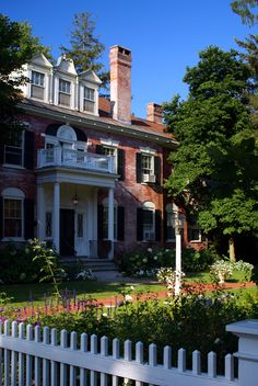 Elm Street Home - Woodstock, Vermont Woodstock Vermont, Elm Street, Us Travel, New England, 2017 July, Photo Galleries, Victorian Houses, Vacation, Mansions