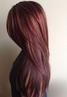 Brown and red hair color mahogany hair color with caramel highlights ha Hair Color 2018, Hair Color Auburn, Hair Color And Cut, Auburn Hair, Brown Hair Colors, Auburn Colors, Hair Colours, Burgundy Color, Red Color