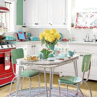 Okay, that's it!  I'm so crazy over this kitchen!  The retro, the red stove, all of it!  Very 'me'!!!