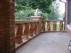 More neat twisted brick columns.