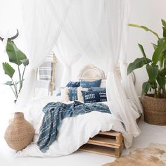 14 Fabulous Rustic Chic Bedroom Design and Decor Ideas to Make Your Space Special - The Trending House White Bedroom, Dream Bedroom, White Canopy, Modern Bedroom, White Bedding, Bedroom Inspo, Bedroom Decor, Indigo Bedroom, Bedroom Ideas
