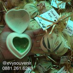 Souvenir Tempat Perhiasan Kumbang Bahan #ceramic , warna cat didalam bisa…