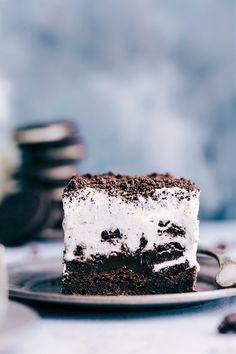 Brownie Oreo Ice Cream Bars Oreo Bars, Oreo Brownies, Brownie Oreo, Oreos, Yummy Ice Cream, Ice Cream Pies, Ice Cream Treats, Ice Cream Cookies, Cream Cake