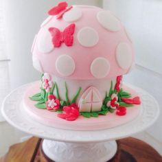 Luisa's Birthday cake - Cake by Cláudia Oliveira