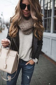 Nice 99 Classy and Casual Women Winter Leather Jacket Outfits Ideas. More at https://aksahinjewelry.com/2017/10/10/99-classy-casual-women-winter-leather-jacket-outfits-ideas/
