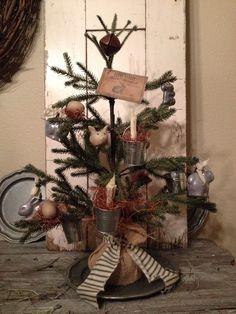 Primitive Easter Holiday Tree #NaivePrimitive