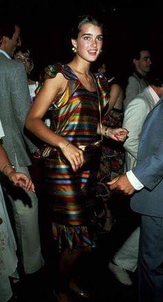 Brooke Shields circa 1981 in New York City Brooke Shields Jovem, Brooke Shields Young, Vaquera Sexy, Brunette Actresses, George Santayana, Cover Girl Makeup, Original Supermodels, Charlotte Casiraghi, Best Model