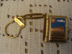 VINTAGE AOHNAI GREECE 10 PHOTO ALBUM BOOK LOCKET KEY RING - TOURIST LOCATIONS