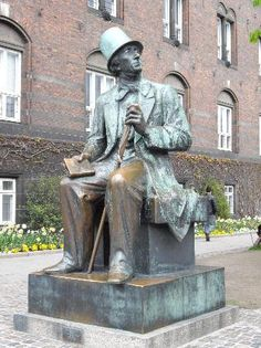 Statue of Hans Christian Andersen in Copenhagen, Denmark コペンハーゲンのアンデルセンの銅像 : Hans Christian, Copenhagen Tourist Attractions, Denmark History, Andersen's Fairy Tales, Denmark Travel, Copenhagen Denmark, The Old Days, Great Memories, Public Art