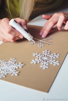 how to make snowflakes of packaging materials christmas decorations rustic decor 30 Creative Christmas DIY Ideas Anyone Can Do Diy Christmas Snowflakes, How To Make Snowflakes, Snowflake Craft, Noel Christmas, Homemade Christmas, Simple Christmas, Snowflake Ornaments, Christmas Hanukkah, Snowflake Party