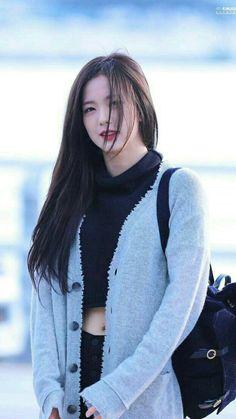 Lisa, Blackpink Fashion, Korean Fashion, South Korean Girls, Korean Girl Groups, Jenny Kim, Black Pink ジス, Blackpink Photos, Jennie Blackpink