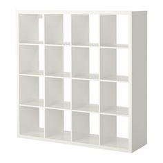 KALLAX Reol IKEA Du kan bruge møblet som rumdeler, for det har samme farve på forsiden og bagsiden.