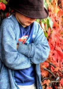 Warnzeichen: Wenn Kinder plötzlich starke Bauchschmerzen haben  Wenn Kinder plötzlich starke Bauchschmerzen haben, die sich steigern, kann dies ein Warnzeichen für eine Blinddarmentzündung sein.  http://www.cleankids.de/2014/10/08/warnzeichen-wenn-kinder-ploetzlich-starke-bauchschmerzen-haben/50024/