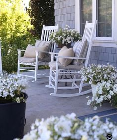 front porch decor ideas - Porches have their background in very early America and are frequently related to a simpler time and lifestyle, Best Rustic Farmhouse Front And Back Porch Designs Ideas White Rocking Chairs, Rocking Chair Porch, Farmhouse Rocking Chairs, Outdoor Rocking Chairs, Farmhouse Front Porches, Country Porches, Southern Porches, Country Homes, Deco Champetre
